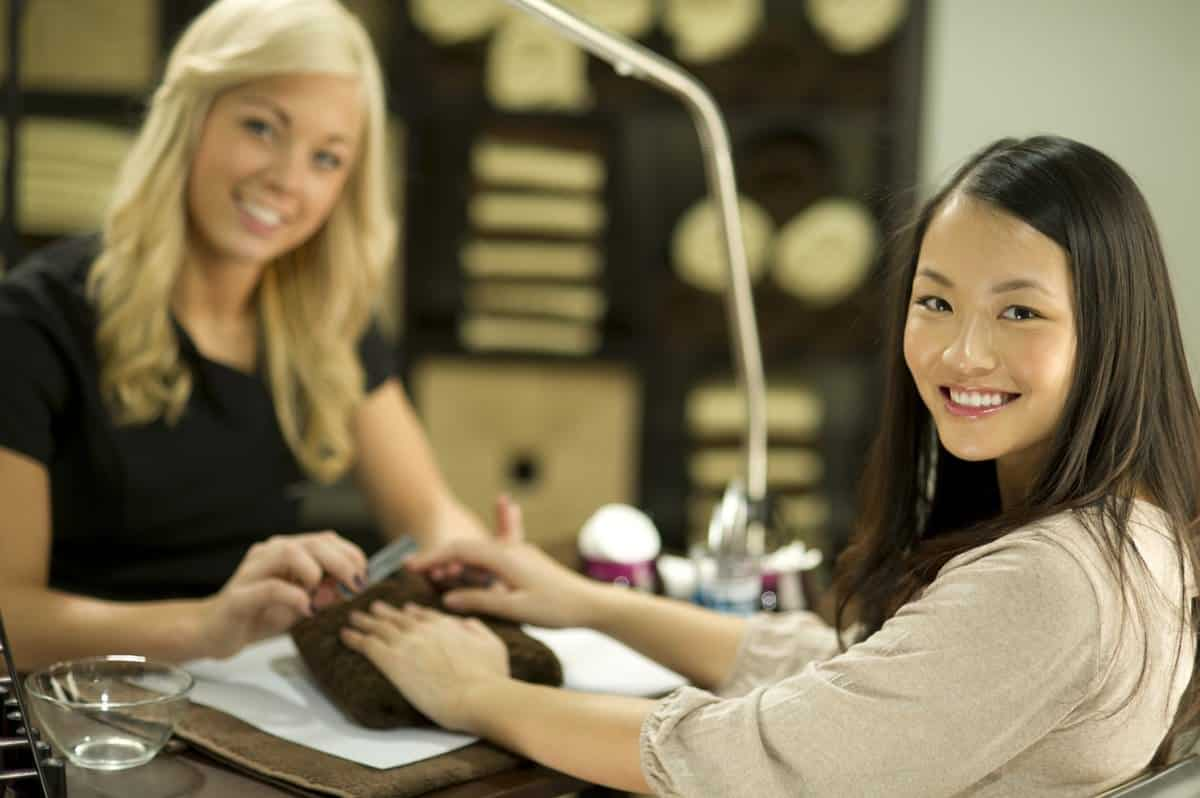 Best Manicure Tables 2019 - Top 5 Tables Revealed | WHN
