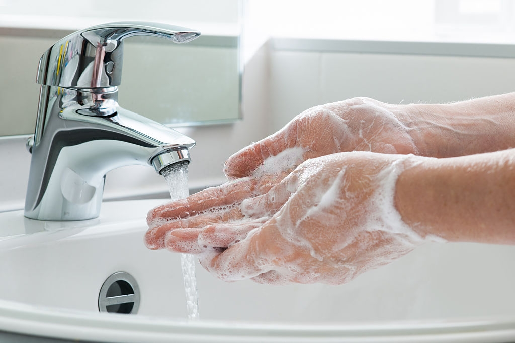 Do You Dread the Tap? How to Fix Dry Cracked Hands